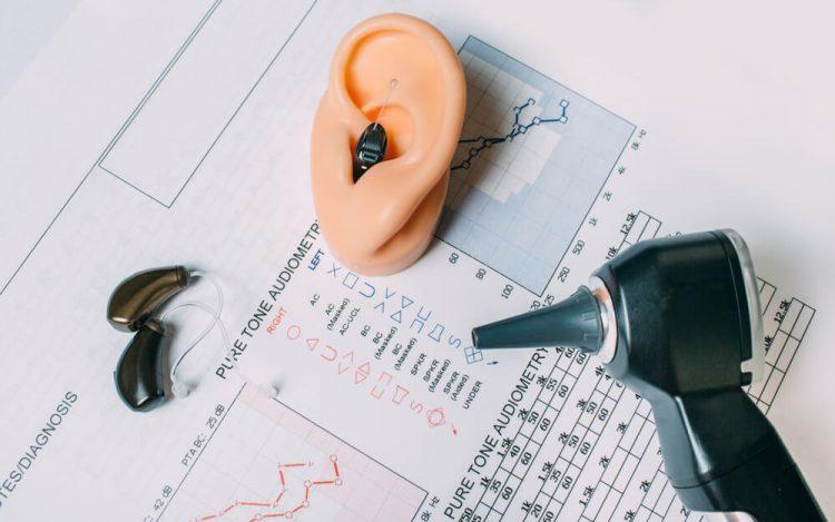 refundacja aparatu sluchowego NFZ